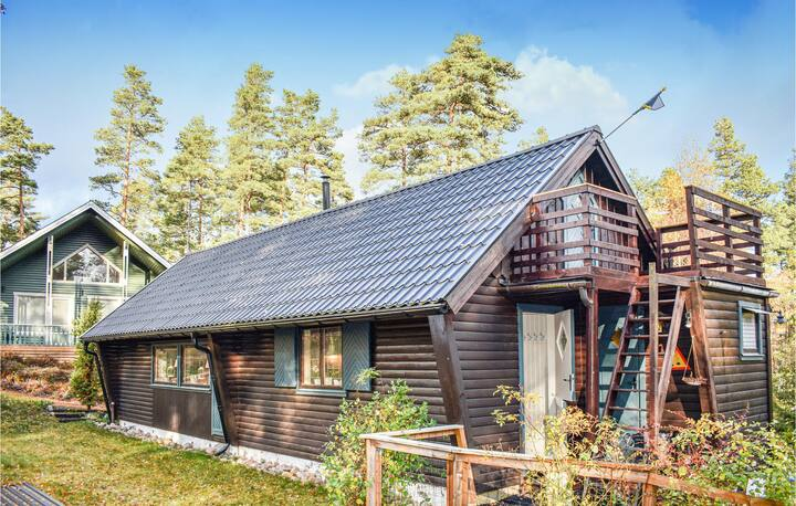 Amazing home in Tidaholm with Sauna and 4 Bedrooms
