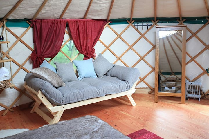 Cloudhouse Glamping - Vallum Farm Yurts - East Wallhouses - Yurt