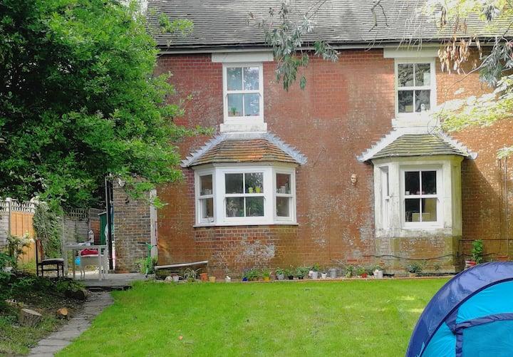 Cottage nr Lewes Uckfield Haywards Hth Burgess Hil