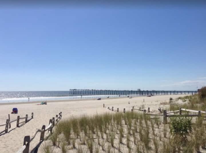 New listing!  Walk to the beach & boardwalk!