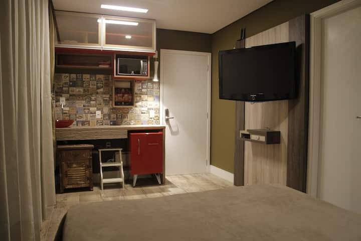 Classy Practical Studio, Allianz Park walking dist