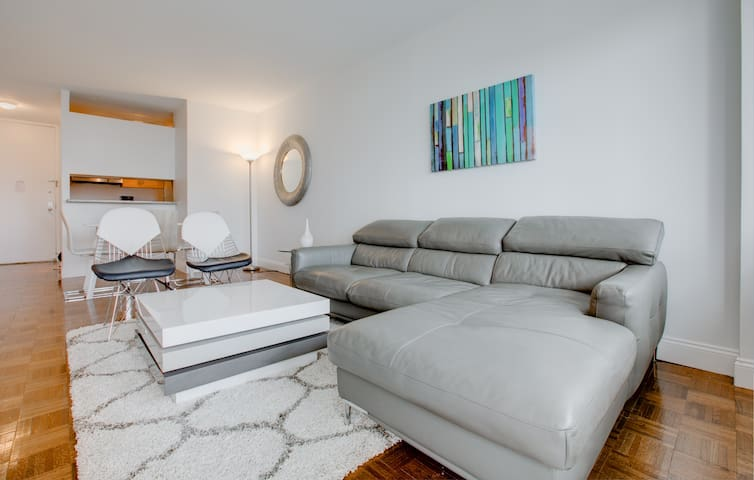 Large one bed high floor view on central park