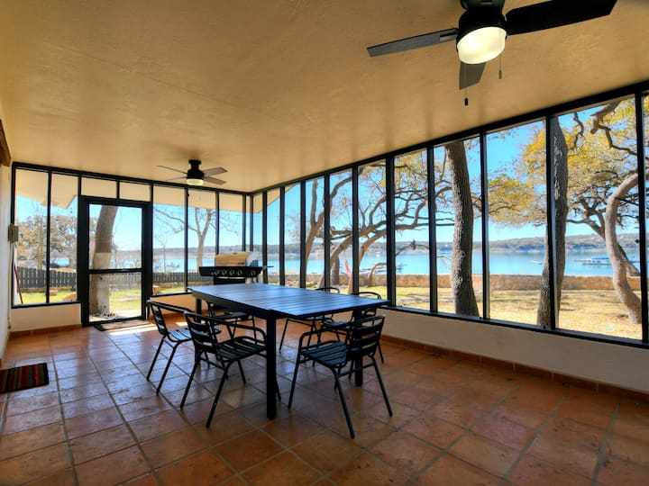 Lakefront Cabin on Lake Travis