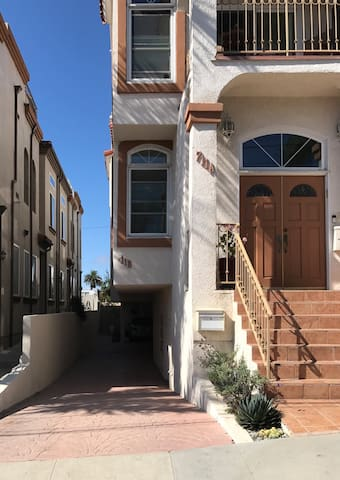 Hermosa Beach space