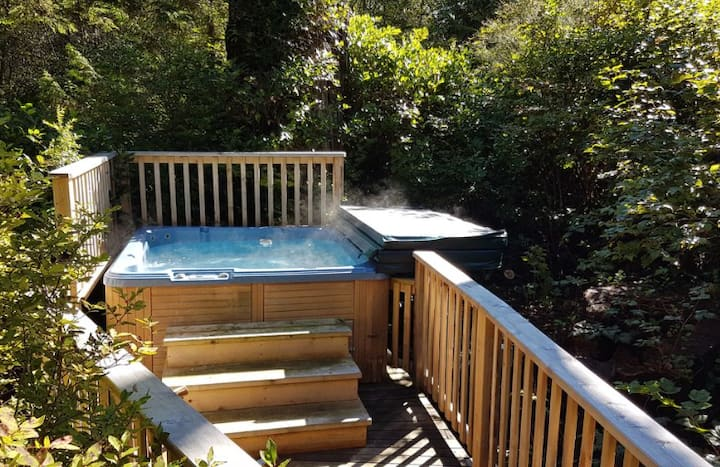 Alder House Tofino |  Private Hot tub & Fire pit