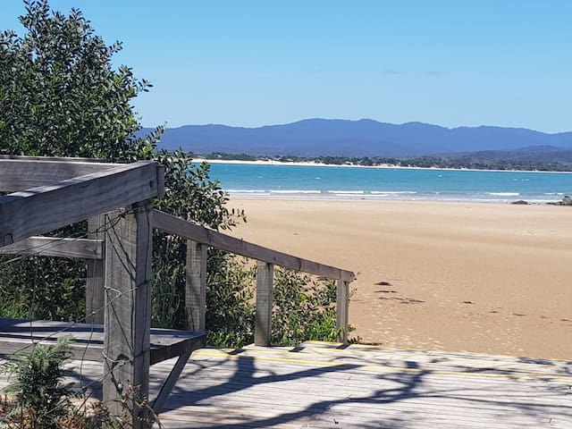 HAWLEY BEACHSIDE ACCOMMODATION - Hawley Beach