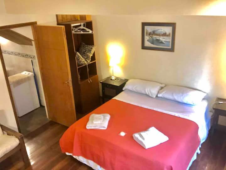 Habitación independiente ,baño privado, lavarropas