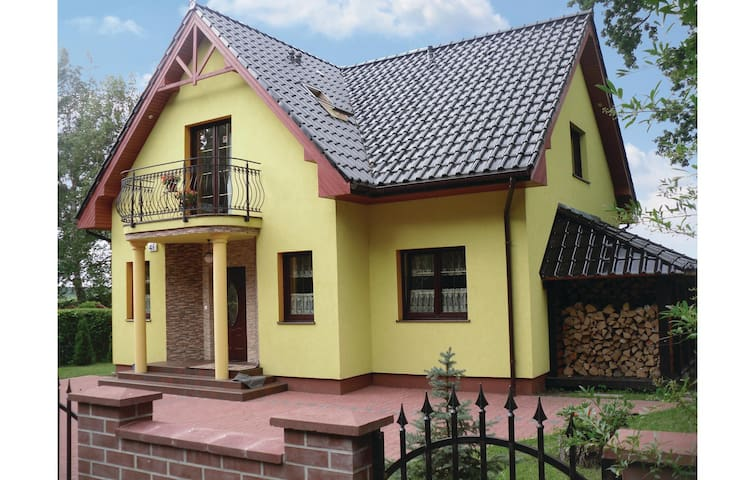 Holiday cottage with 5 bedrooms on 150m² in Nowe Warpno