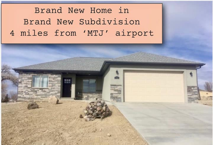 Brand New Home 4 mi. to (MTJ) airport~3 Bedroom