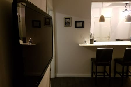 Entire remodeled 1br house near LAX - Inglewood - Rumah