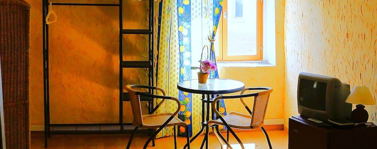 Chambre 20m2, Bourgogne, 8min Mâcon, proche A6-A40 - Charbonnières - Inny