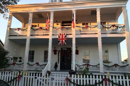 Room #2 in historic mansion! - Galveston - Σπίτι