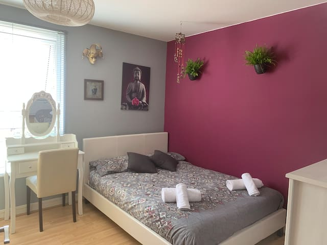 DOUBLE ROOM for couple or single person