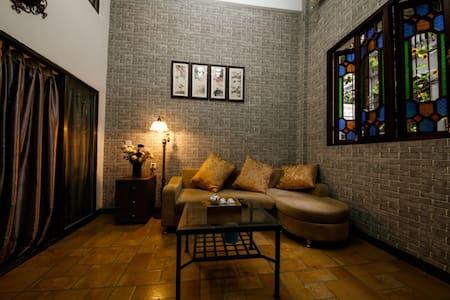 上下九步行街的西关老屋(二楼),距长寿路地铁5分钟,享尽岭南繁华与美食 - 广州