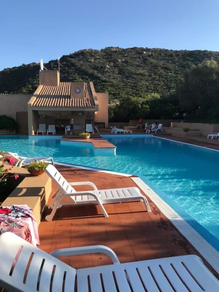 Stazzo Pulcheddu residence con piscina