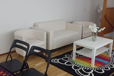 2 room apartment near Arlanda - Upplands Väsby - 獨棟
