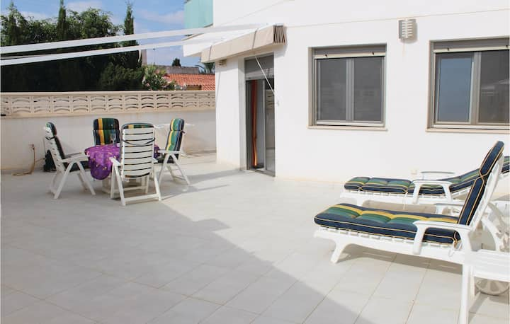 Stunning home in El Campello with WiFi and 1 Bedrooms