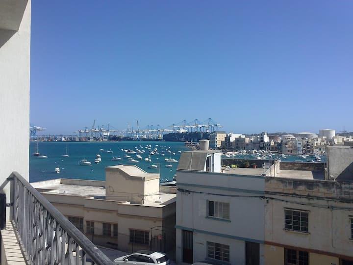 Birzebbugia Seaview - 100m from beach & promenade