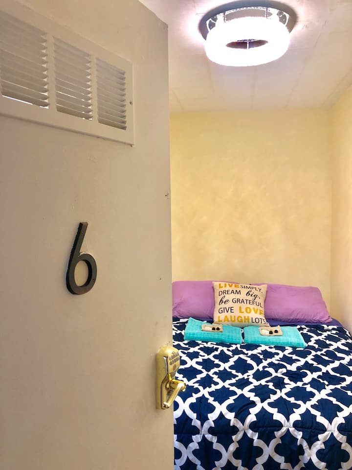 #6 Private Room QUEEN Bed 5mile JFK by Hotel-Like