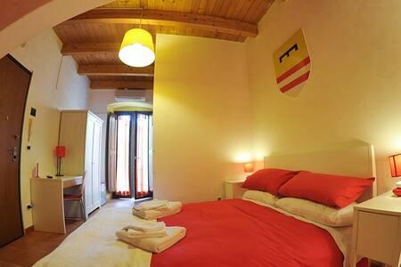Tra Castello federiciano e Cattedrale mariana - Barletta - ที่พักพร้อมอาหารเช้า