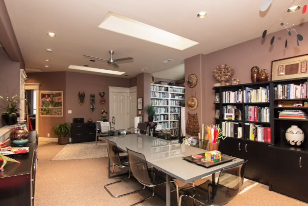 office space with large worktable
