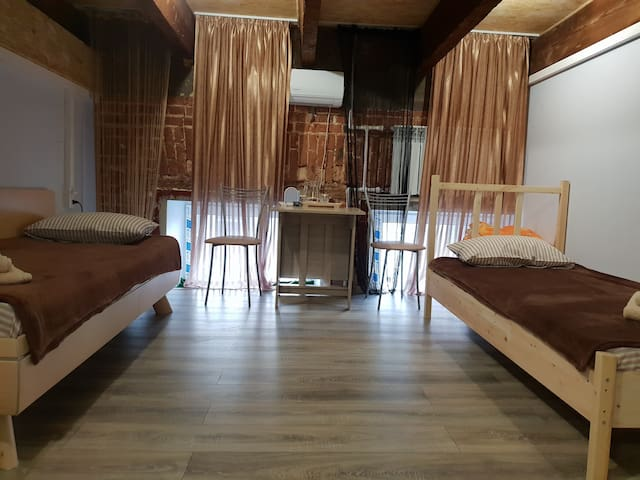 Лофт с двумя односпальными кроватями