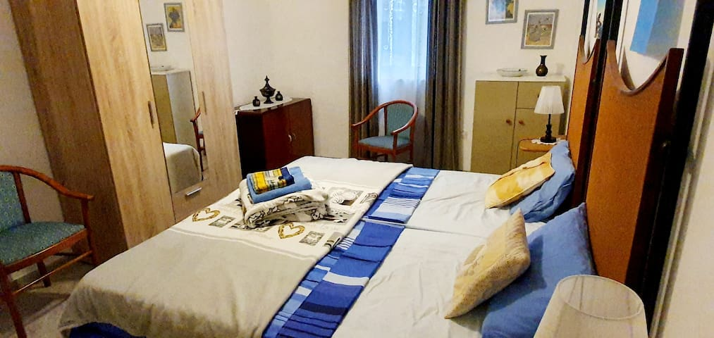 Private Two Single Beds w/ Wifi Terrace Bugibba