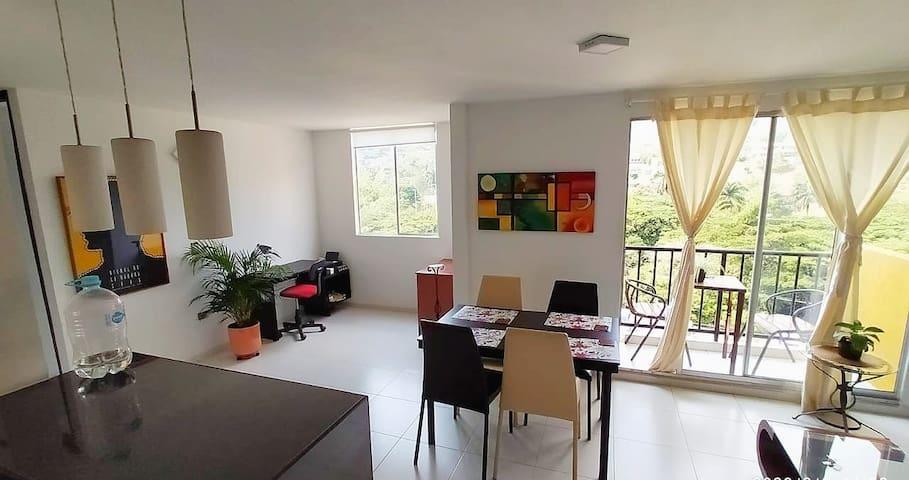 lindo y amplio apartamento en el oeste de cali