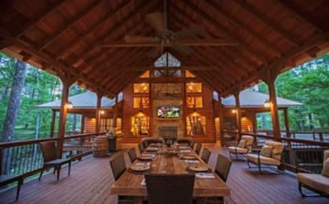 Copper Spa Lodge (Sleeps 14, 4 Bedrooms, 4 Baths)