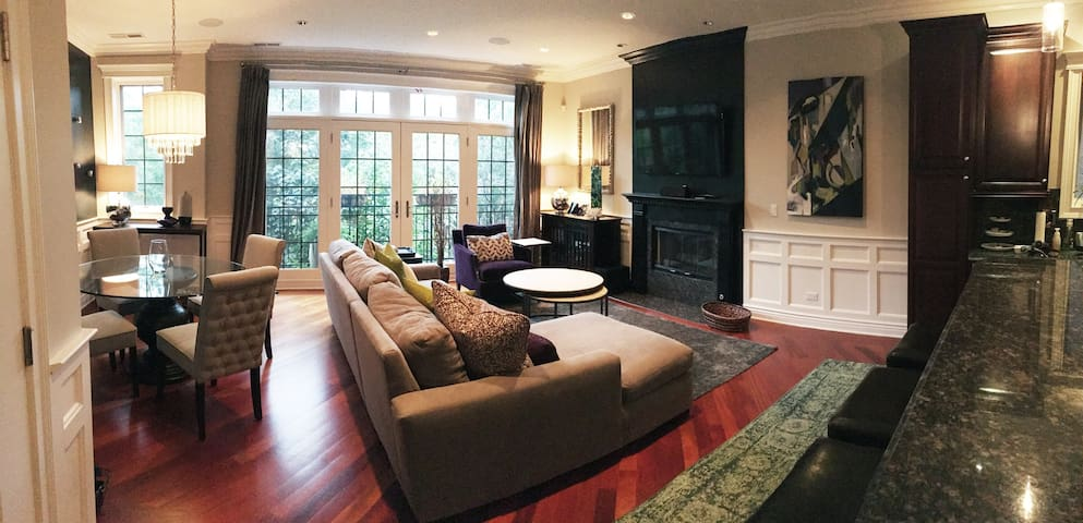 Gorgeous & Quiet Escape just One Block to Wrigley - Chicago - Appartement en résidence