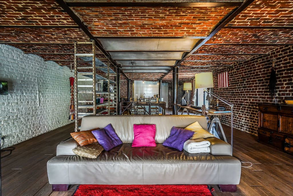 New york style loft in central brussels loft in affitto for Loft new york affitto