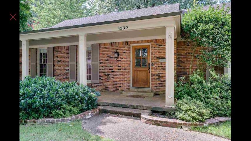 Elegant 5 Bedroom Home in Heart of Memphis