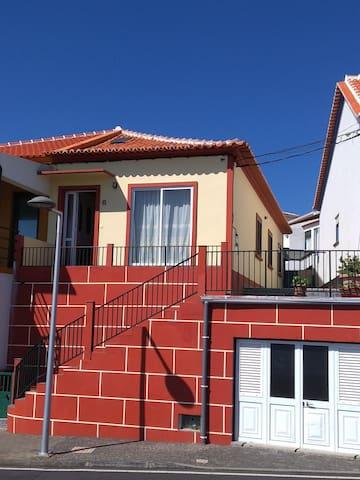 "AL 1095 - ""Val's Place"" - Praia da Vitória - Huis"