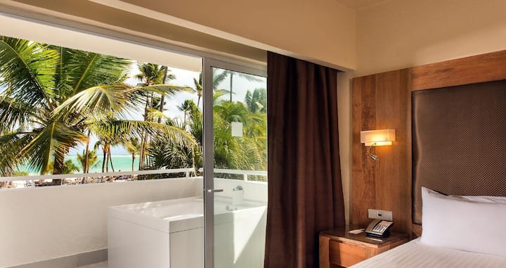 Incredible Junior Suite Ocean Front At Bavaro