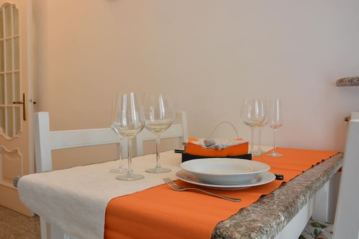 """Appartamento """"Pascoli"""" - Finale Ligure - Apartment"""