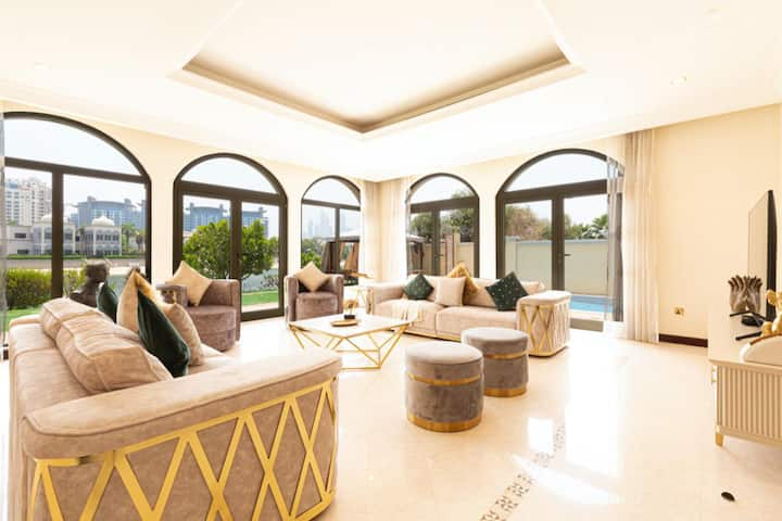 SS LUXURY VILLA WITH PRIVATE BEACH AND POOL