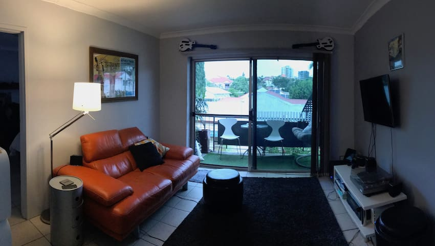 Affordable Top Floor One Bed West End Apartment