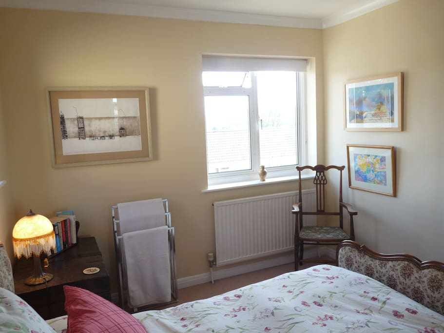 Dual aspect double room with views.