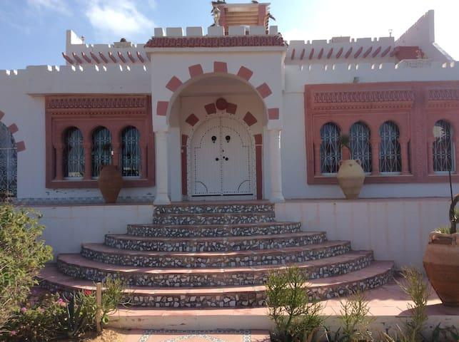 superbe propriété style arabo andalou - Zarzis