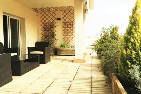 Fantástico ático con relajantes terrazas - Mollerussa - Lejlighed