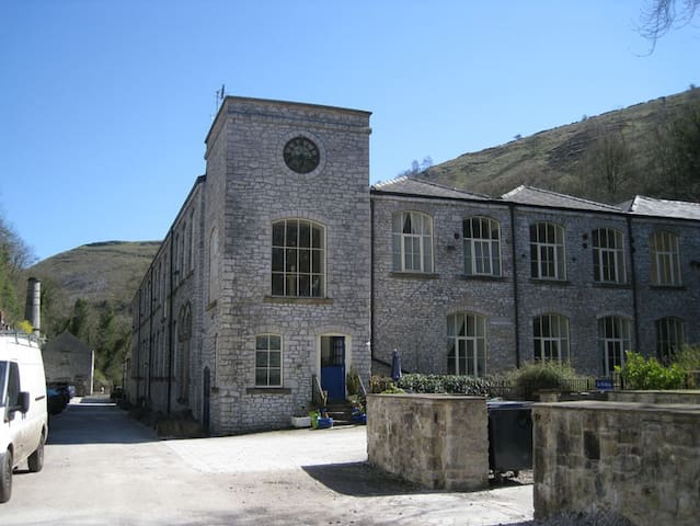 6 Litton Mill