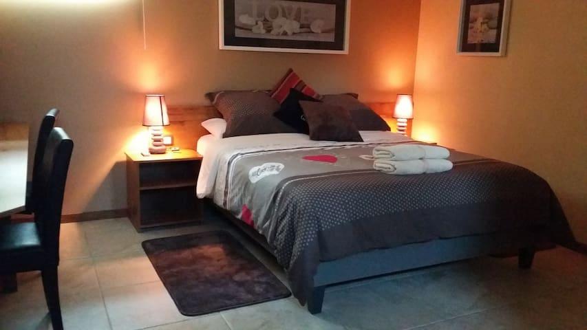 Sarlat center 1 bedroom  Studio 3