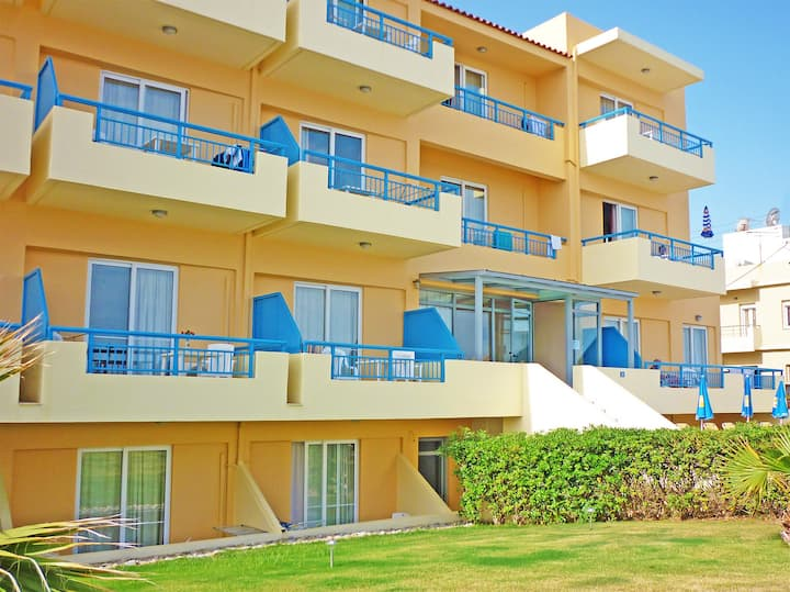 Sea view,Beachfront,Near Amenities,Studio Partly Below Ground Floor