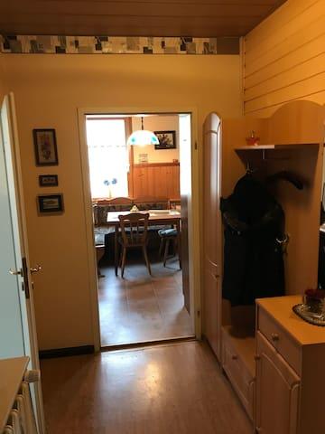 Ganze 3 Raum Wohnung am Auensee