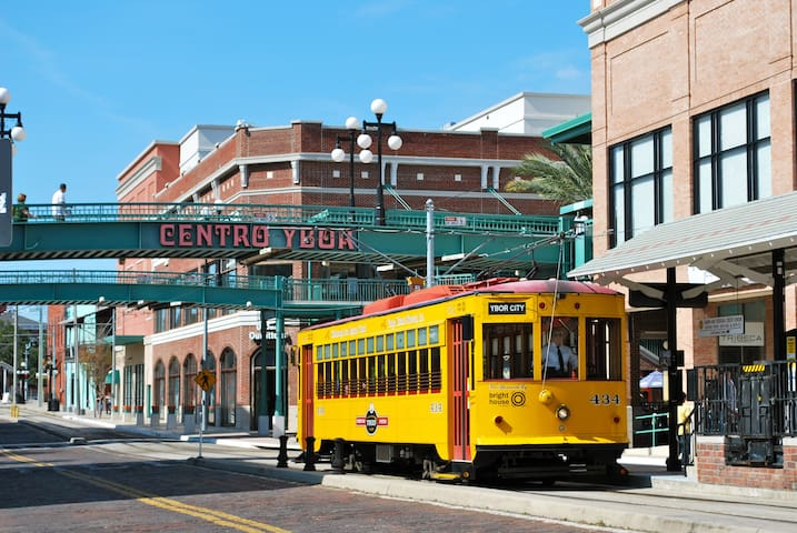 Heart of Ybor! Walk To Main St!!