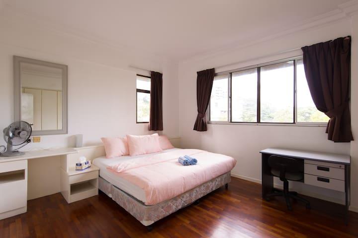 Lovely Apartment in Bangsar