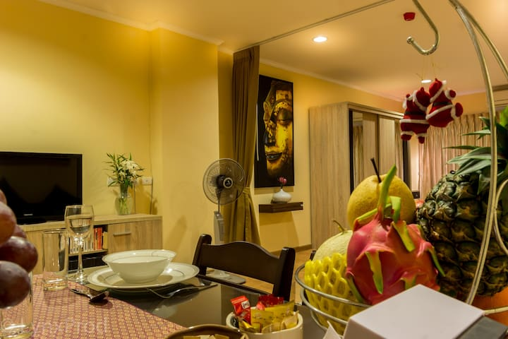 Fantastic condo in downtown Hua Hin -09
