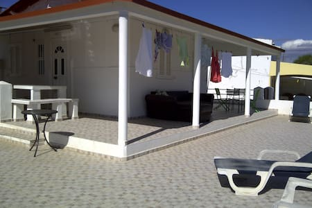 Beach house with Granny flat - Moncarapacho