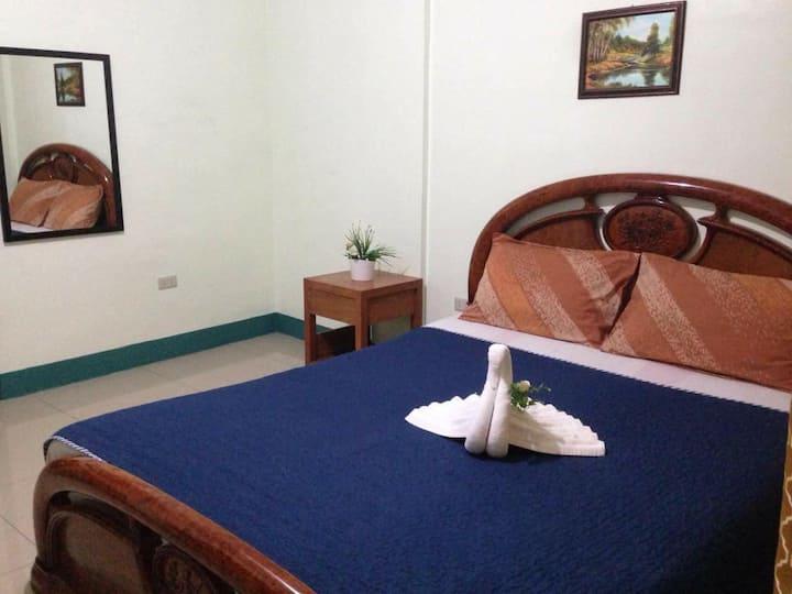 Tagaytay Budget Room (2E) - AC Room
