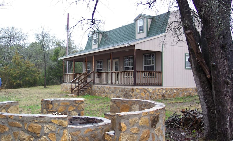 105 Acre Ranch and Cabin - Gatesville